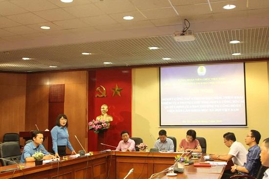 Hình ảnh: Hội nghị sơ kết công tác 6 tháng đầu năm, triển khai nhiệm vụ 6 tháng cuối năm 2018 của Công đoàn Viện Hàn lâm Khoa học xã hội Việt Nam số 2