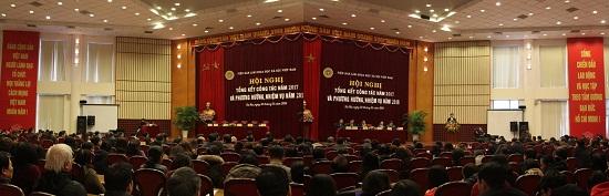 Hình ảnh: Hội nghị Tổng kết công tác năm 2017 và triển khai nhiệm vụ năm 2018 của Viện Hàn lâm Khoa học xã hội Việt Nam số 4