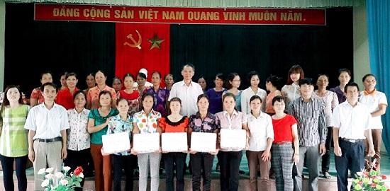 Tạp chí Khoa học xã hội Việt Nam tổ chức hoạt động thiện nguyện