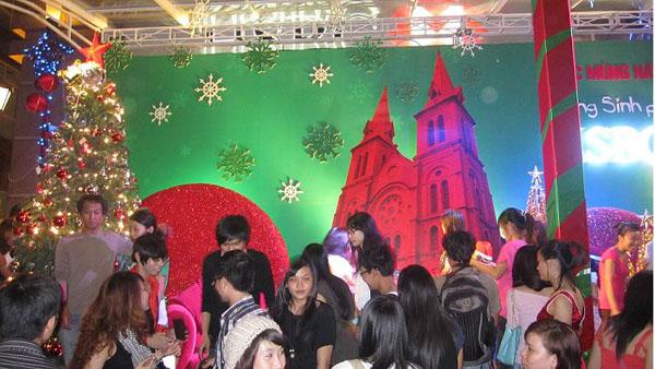 Tín lý hiếu hòa của Công giáo trong giáo dục con người ở Việt Nam hiện nay